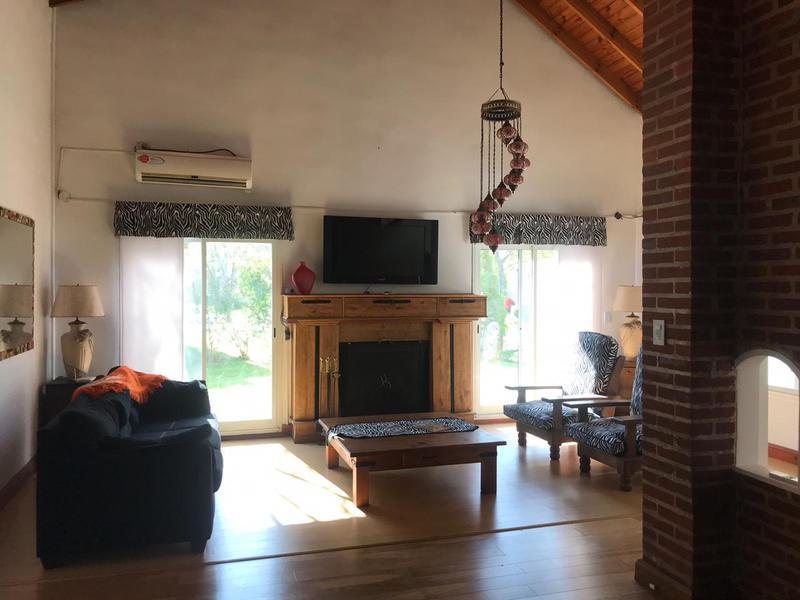 Foto Casa en Venta en  El Lauquen,  Countries/B.Cerrado (E. Echeverría)  Venta con renta - Casa en El Lauquen - Canning