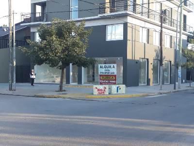 Foto Local en Alquiler en  Pilar ,  G.B.A. Zona Norte  Av Tomas Marquez y Braschi
