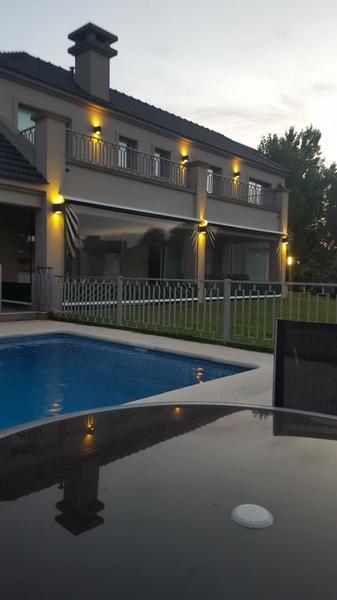 Foto Casa en Alquiler temporario en  El Lauquen,  Countries/B.Cerrado  Impecable casa en El Lauquen