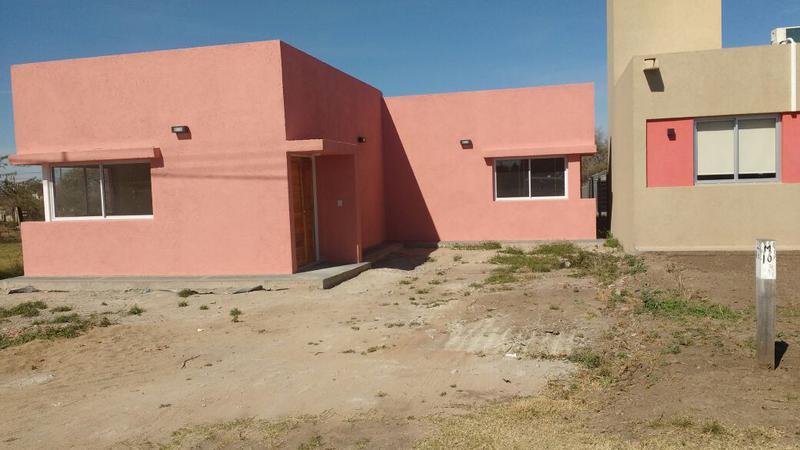 Foto Casa en Venta en  Villa Catalina,  Rio Ceballos  Casa en venta, Villa Catalina, 2 dormitorios