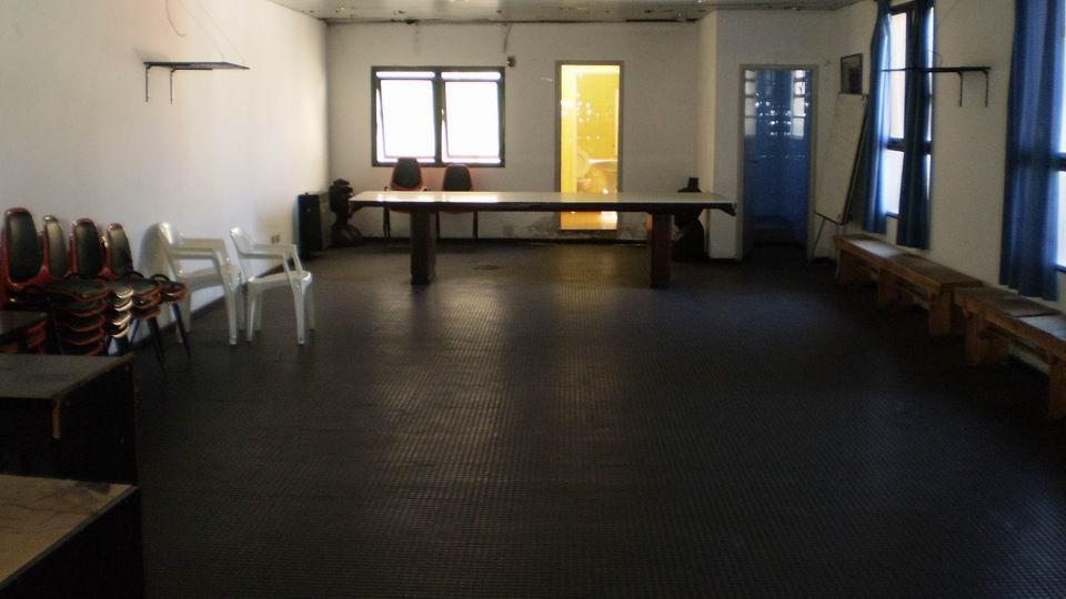 Foto Local en Venta en  Crucesita,  Avellaneda  Av. Mitre 1579