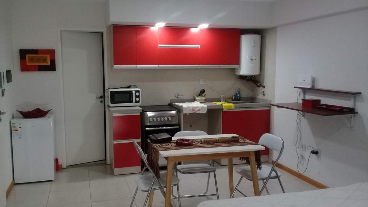 Foto Departamento en Alquiler en  Capital ,  Tucumán  CORDOBA al 1300