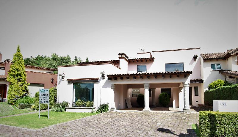 Foto Casa en Venta en  Club de Golf los Encinos,  Lerma  Fraccionamiento Club de Golf los Encinos, Lerma, Mex.,casa en venta