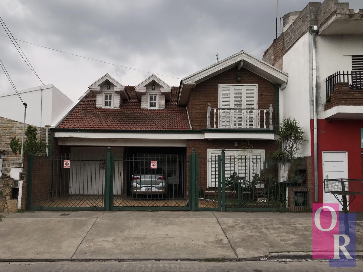 Foto Casa en Venta en  Florencio Varela,  Florencio Varela  Luis Braile N° 1140 e/ Las Americas y Dr. E. Finochieto