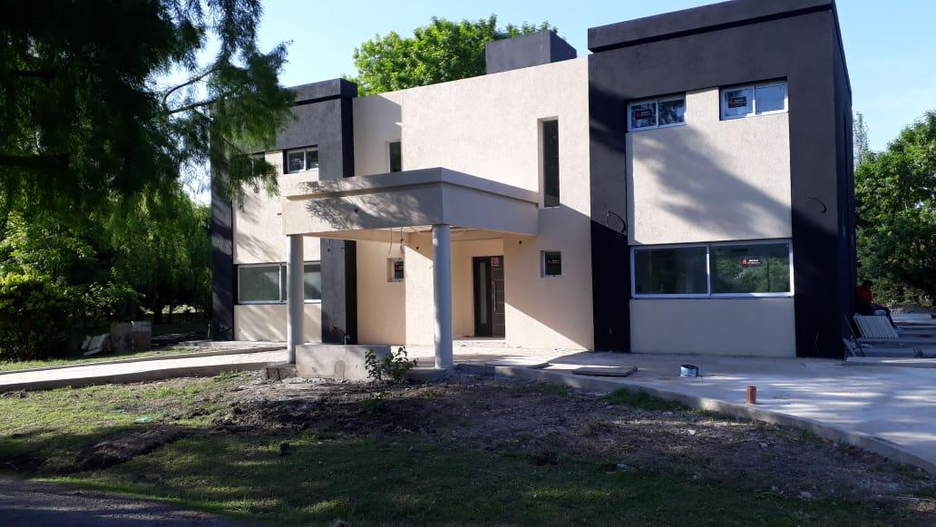 Foto Casa en Venta en  Pilar ,  G.B.A. Zona Norte   Haras del Sol Casa en venta de gran estilo con piscina