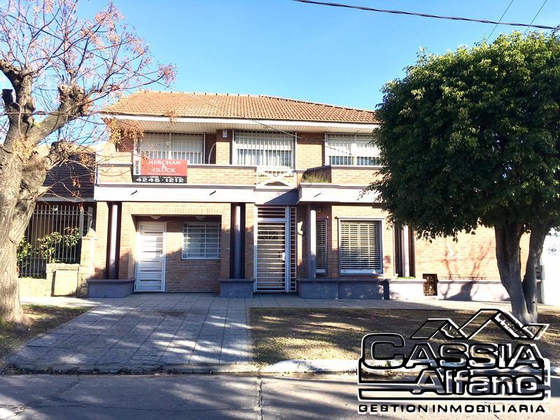 Foto Casa en Venta en  Lomas de Zamora Oeste,  Lomas De Zamora  BOEDO 1386