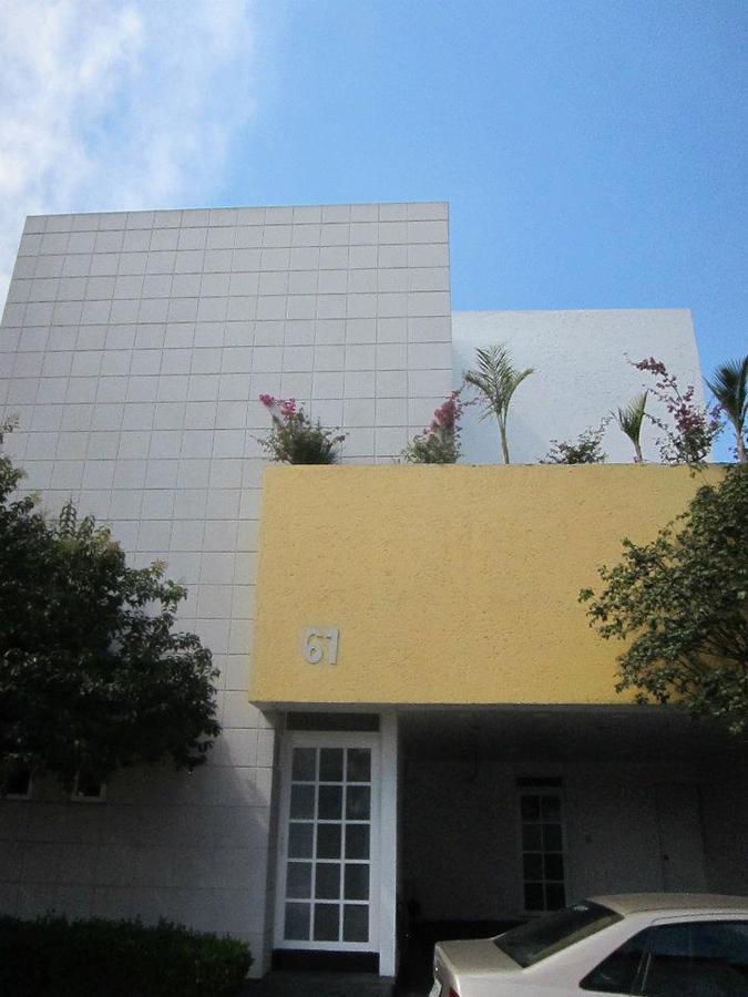 Foto Casa en Venta en  Naucalpan de Juárez ,  Edo. de México  VENTA DE RESIDENCIA  EN CAMPOS  ELISEOS #61, FRACCIONAMIENTO  RESIDENCIAL SANTA CRUZ