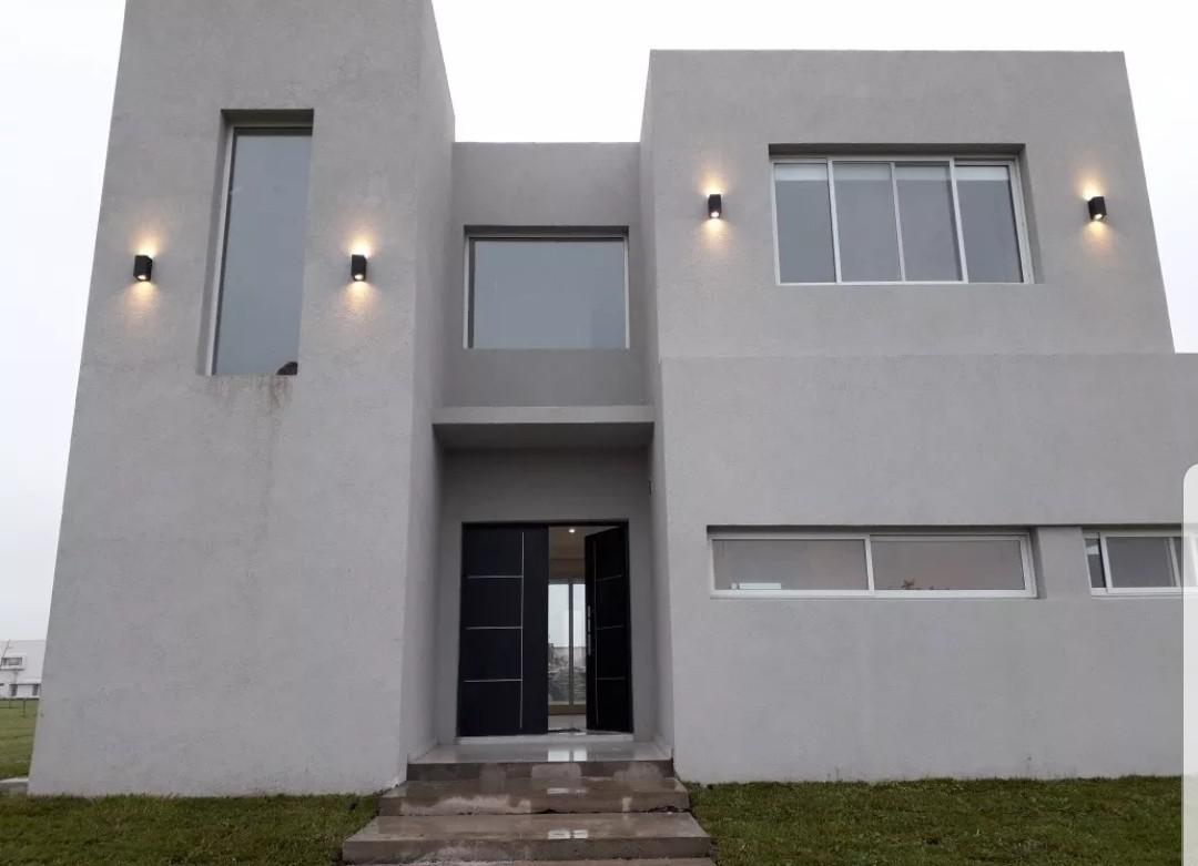 Foto Casa en Alquiler en  Los Castaños,  Nordelta  Casa en alquiler 4 dor. a estrenar en Nordelta Castaños Av. de los Lagos  al 1500