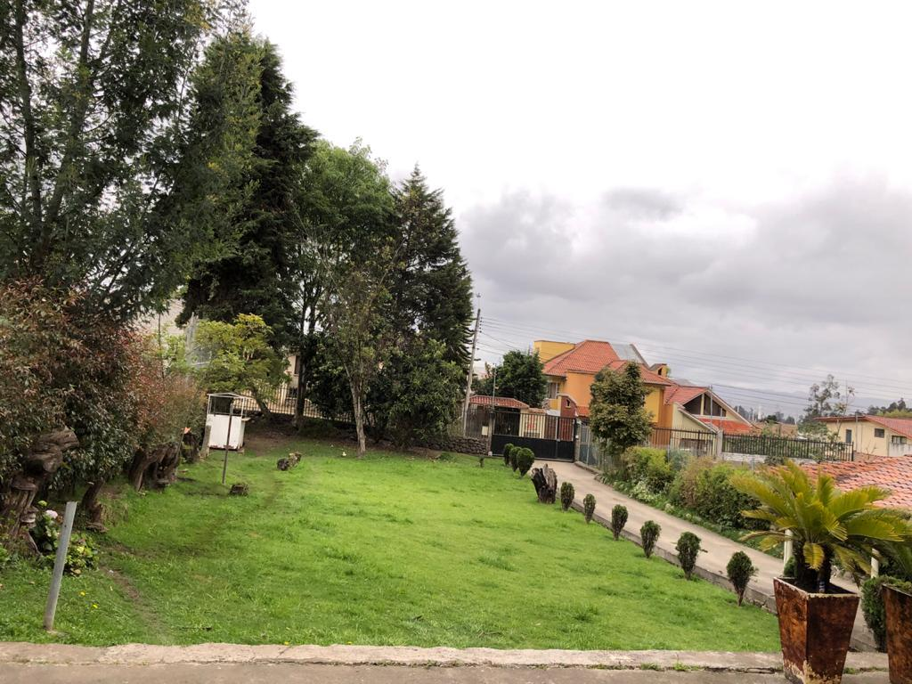 Picture House in Sale in  Cuenca ,  Azuay  Buenos Aires