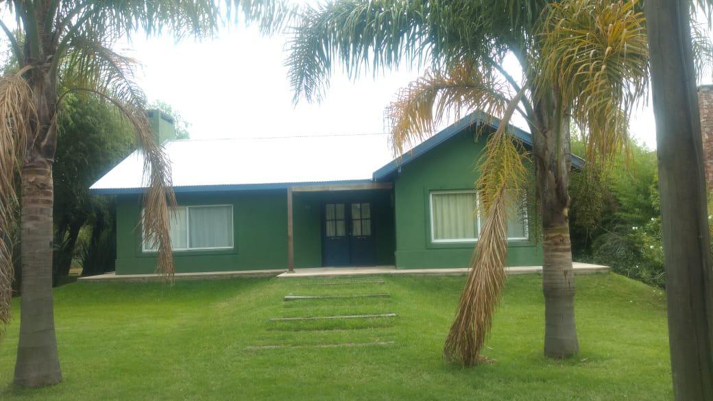 Foto Casa en Venta en  Isla Santa Monica,  Countries/B.Cerrado (Tigre)  Isla Santa Monica entre Country Nautico y