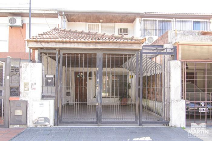 Foto Casa en Venta en  Mart.-Santa Fe/Fleming,  Martinez  CORDOBA al 1300