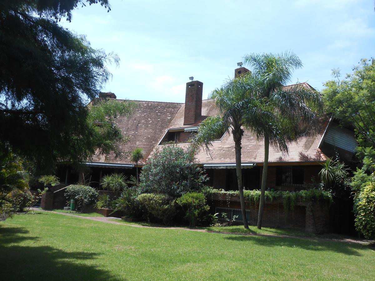 Foto Casa en Venta en  Mart.-Libert./Rio,  Martinez  Colón al 1400
