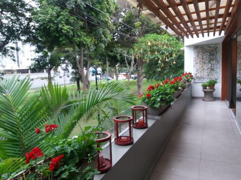 Foto Departamento en Alquiler en  Miraflores,  Lima  Av MARISCAL SUCRE S/N