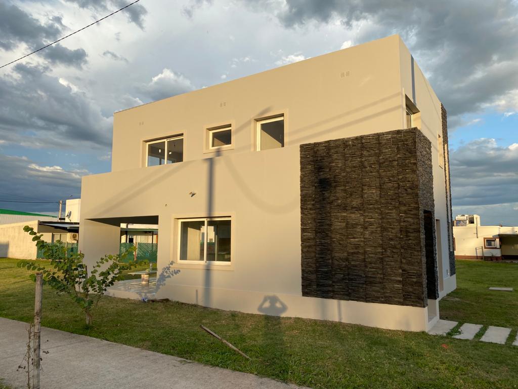 Foto Casa en Venta en  Los Nogales,  Tafi Viejo  nogales plaza