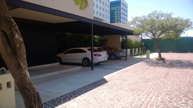 Foto Casa en condominio en Venta en  Fraccionamiento Altabrisa,  Mérida  RESIDENCIA EN PRIVADA BOSQUES DE ALTABRISA