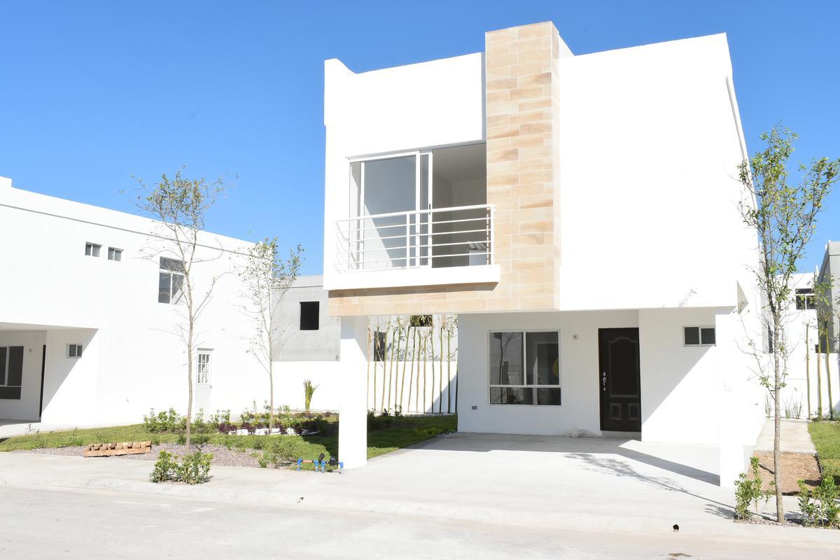 Foto Casa en Venta |  en  Brianzzas Residencial,  Gral. Escobedo  Brianzzas Residencial