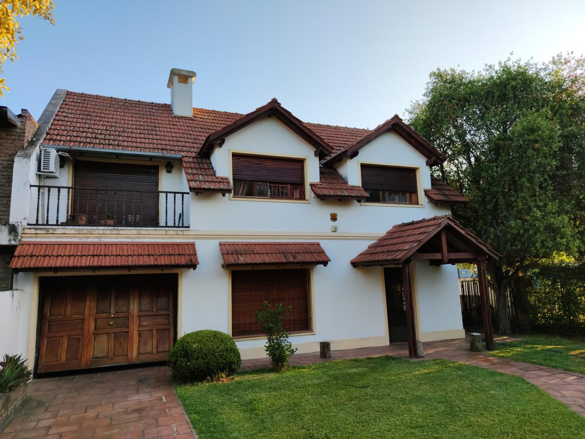 Foto Casa en Venta en  Fisherton,  Rosario  JUAN JOSE PASO al 8500