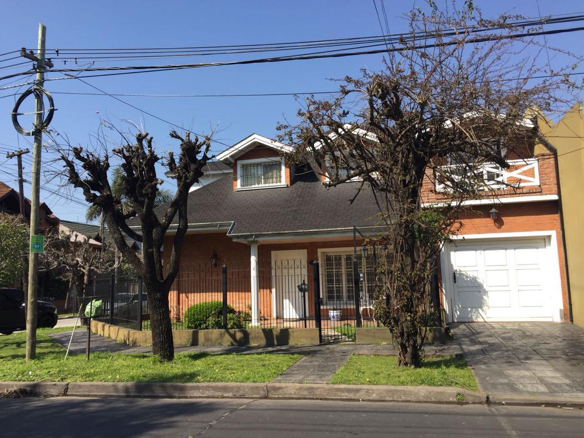 Foto Casa en Venta en  Haedo,  Moron  Llavallol al 300