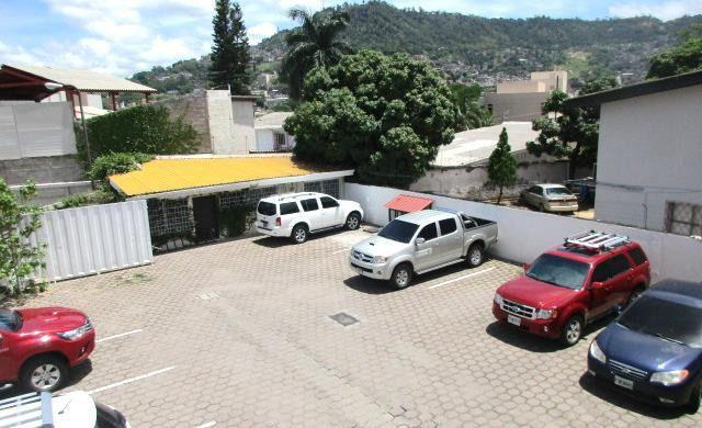Foto Edificio Comercial en Venta en  Palmira,  Tegucigalpa  Edificio con uso comercial y residencial en Col. Palmira