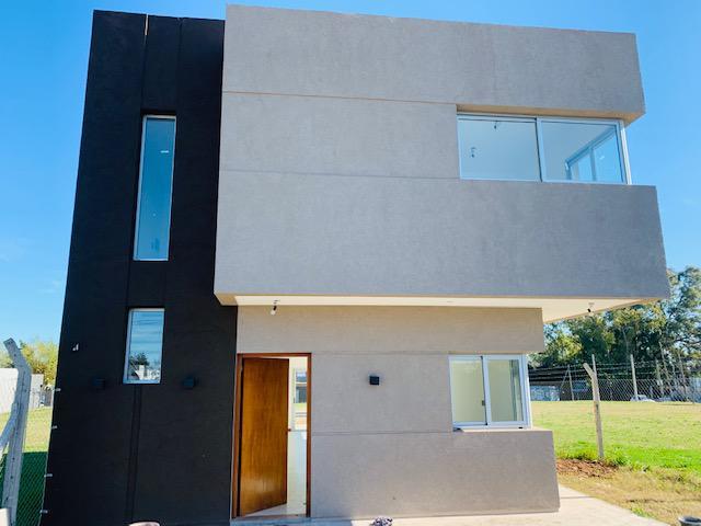Foto Casa en Venta en  Manuel B Gonnet,  La Plata  489 Esquina 133