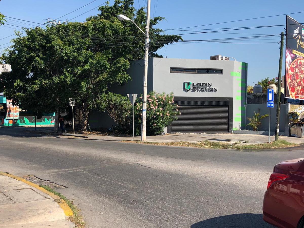 Foto Local en Venta en  Francisco de Montejo,  Mérida  Calle 61 x 42 esquina. Francisco de Montejo