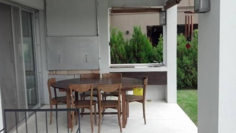 Foto Casa en Alquiler en  Villanueva,  Countries/B.Cerrado  Av. Italia al 5000
