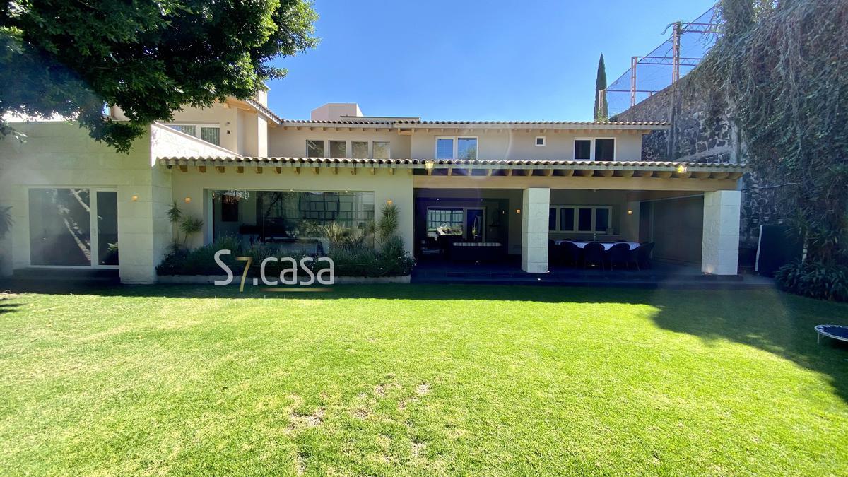 Foto Casa en Venta en  Jardines del Pedregal,  Alvaro Obregón  Casa en Venta, Jardines del Pedregal, Moderna, acabados de lujo, Padel.