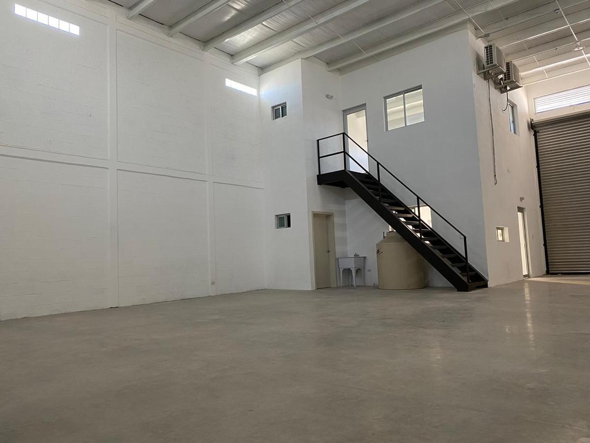 Foto Bodega Industrial en Renta en  Norberto Ortega,  Hermosillo  SE RENTA BODEGA EN COLONIA NORBERTO ORTEGA AL NORTE DE HERMOSILLO