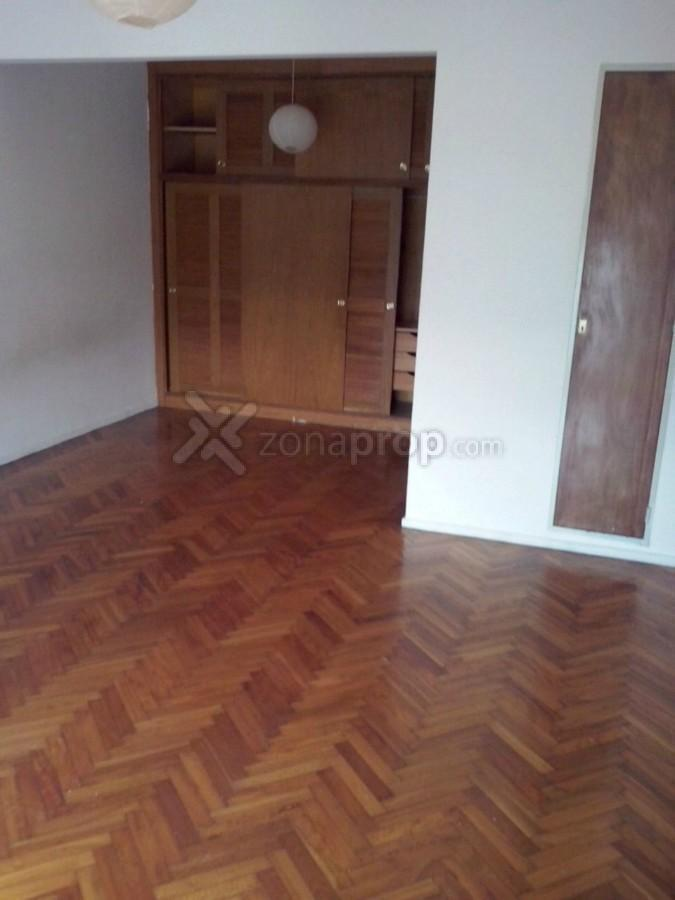 Foto Departamento en Alquiler en  Monserrat,  Centro (Capital Federal)  Salta 297