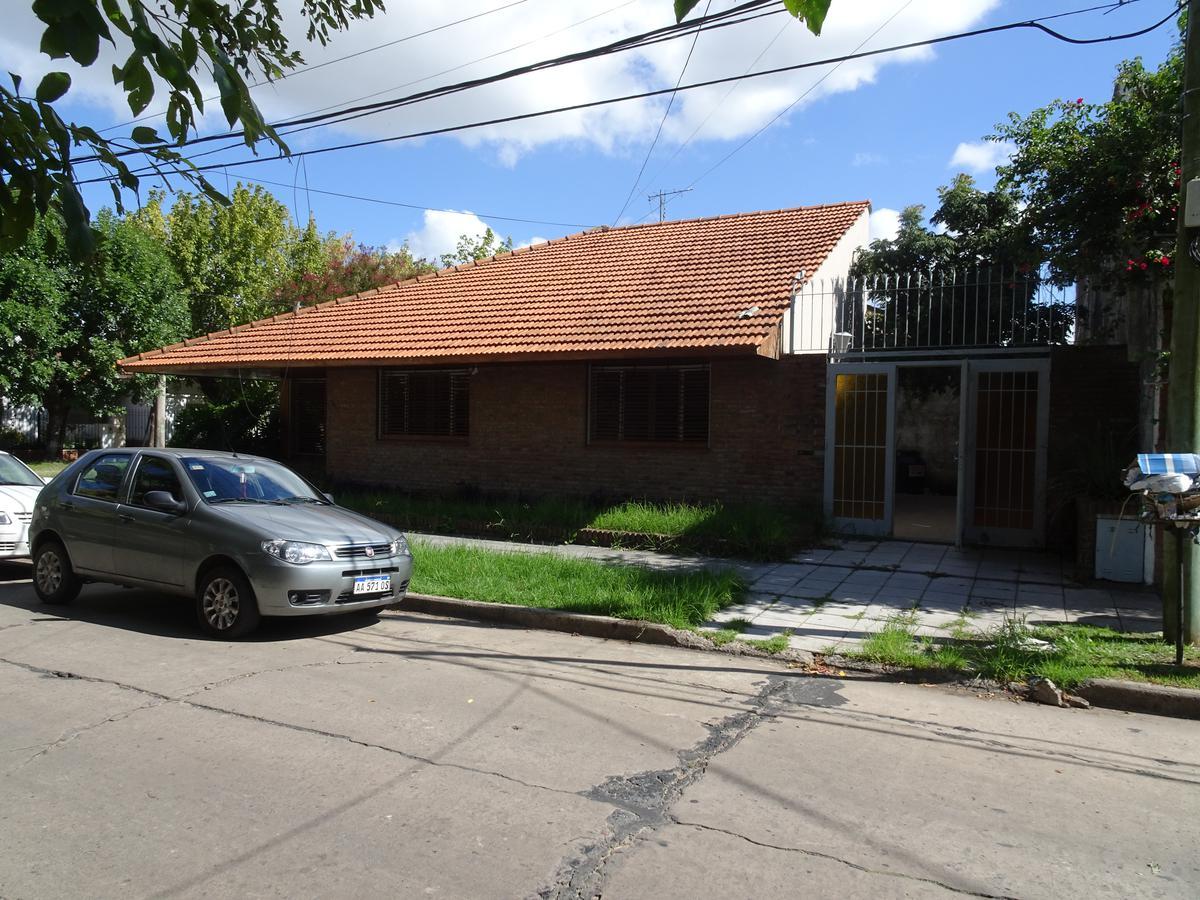 Foto Casa en Venta en  Adrogue,  Almirante Brown  ALSINA 348