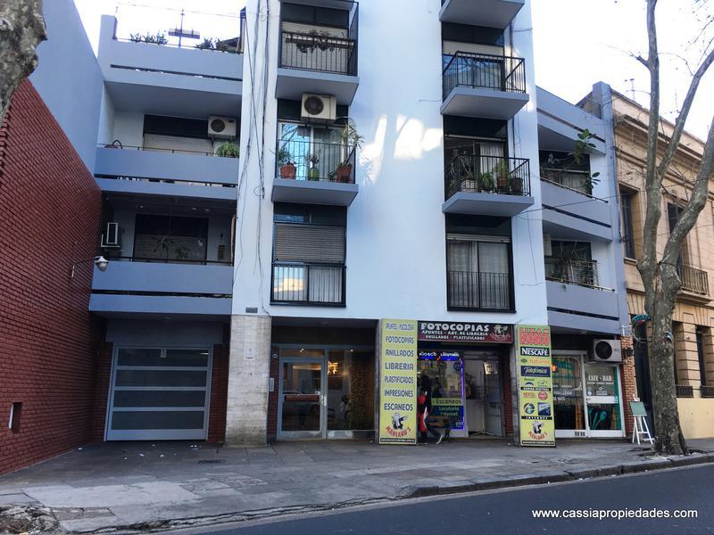 Foto Cochera en Venta |  en  Balvanera ,  Capital Federal  HIPOLITO YRIGOYEN 3251