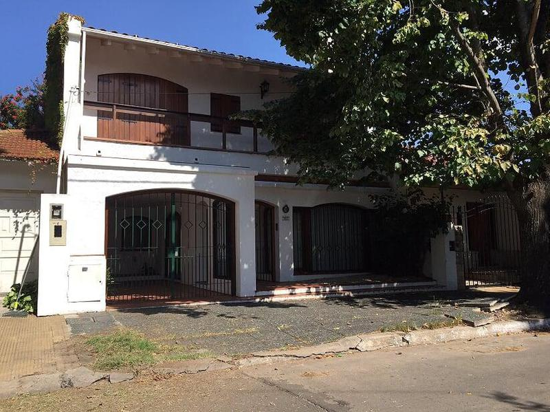 Foto Casa en Venta en  Quilmes,  Quilmes  Allison Bell 941