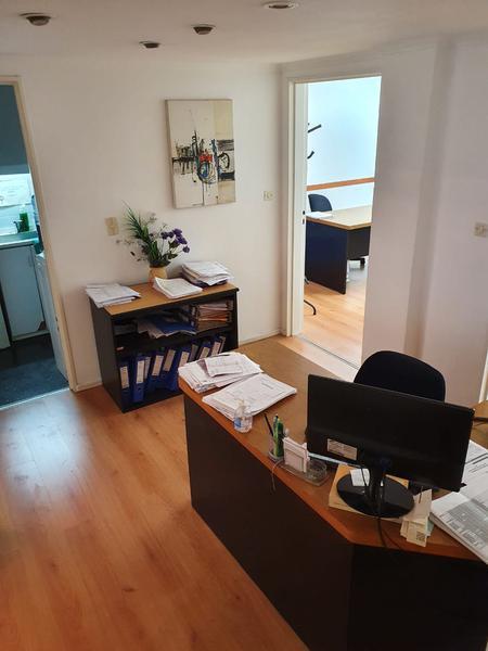 Foto Oficina en Alquiler en  Retiro,  Centro (Capital Federal)  Excelente OFICINA 4 despachos - Av Córdoba al 800
