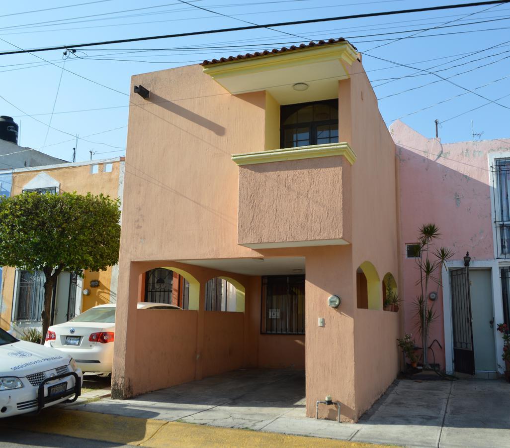 Foto Casa en Venta en  Fraccionamiento Villas de Torremolinos,  Zapopan  Paseo Carrilleras 434 - 184