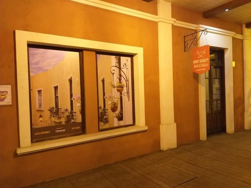 Foto Local en Venta en  Plaza Canning (Comerciales),  Canning  Alquiler/Venta - Local en Plaza Canning