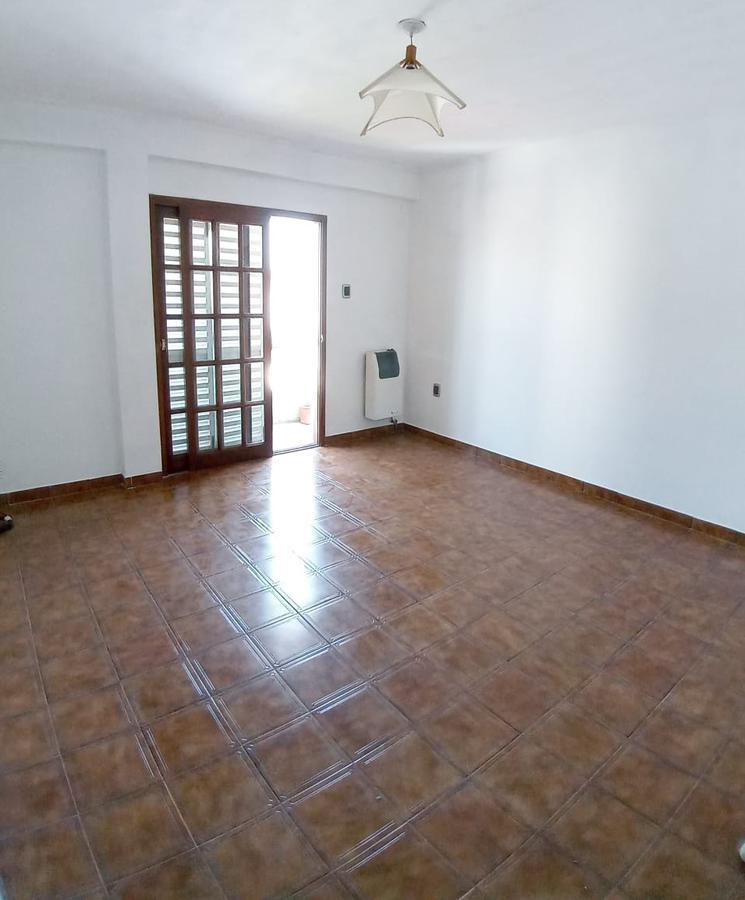 Foto Departamento en Alquiler en  La Plata ,  G.B.A. Zona Sur  14 e/ 36 y 37