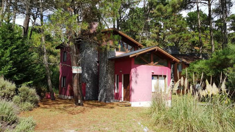 Foto Casa en Venta en  Mar De Las Pampas ,  Costa Atlantica  Victoria ocampo entre Juez repetto y Las acacias