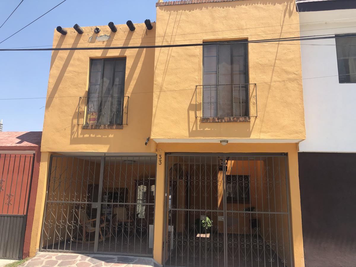 Foto Casa en Venta en  Huerta Real,  San Luis Potosí  CASA EN VENTA CERCA A PEDRO MORENO