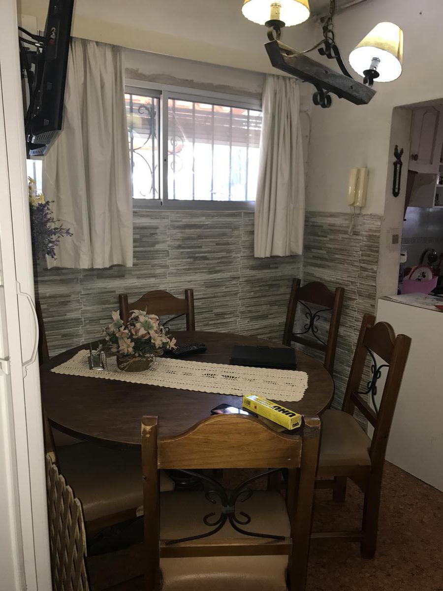 Foto Casa en Venta en  Villa Española ,  Montevideo  Villa Española