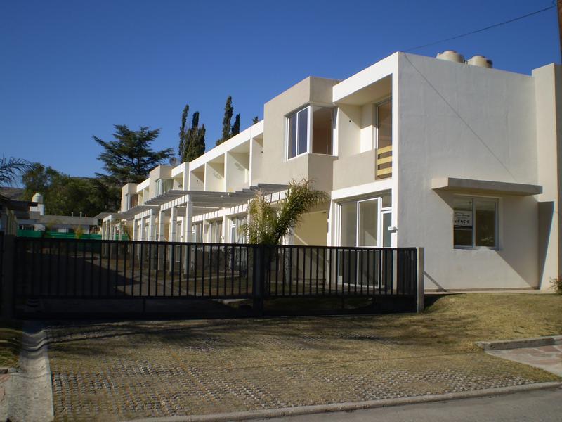Foto Departamento en Venta en  Villa Carlos Paz,  Punilla  independencia