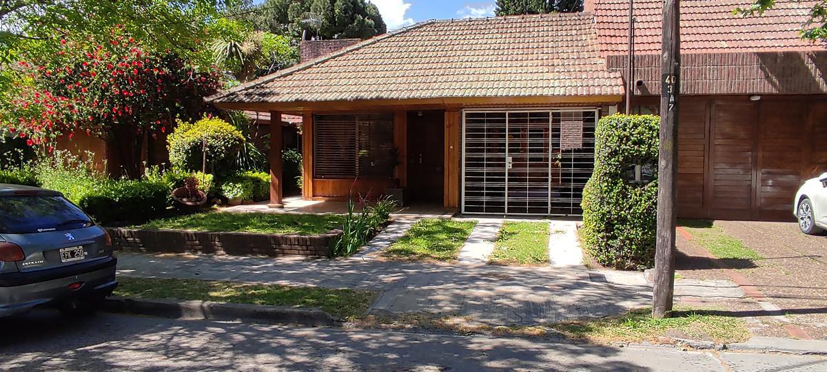 Foto Casa en Alquiler en  Adrogue,  Almirante Brown  Roca 425, entre Canale y Amenedo