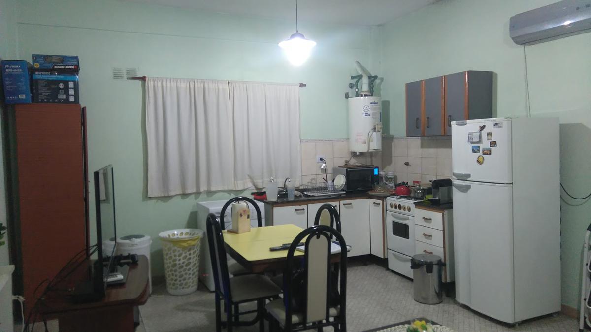 Foto Departamento en Venta en  Lanús,  Lanús  H. Yrigoyen al 5263
