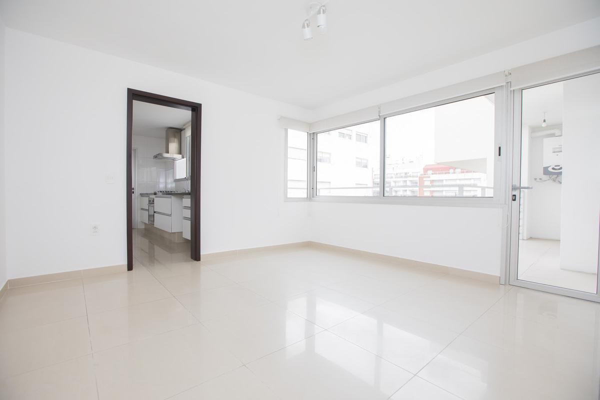 Foto Apartamento en Alquiler en  Pocitos ,  Montevideo  Avenida Brasil al 3000