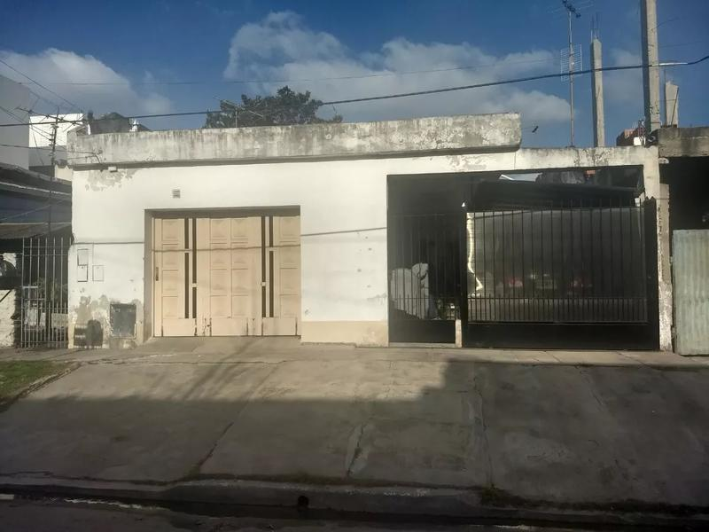 Foto Casa en Venta en  Villa Centenario,  Lomas De Zamora  Rawson 592