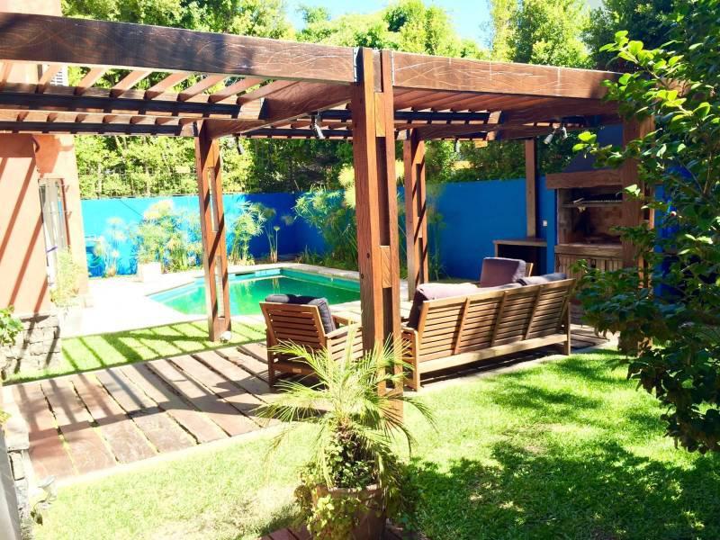 Foto Casa en Venta | Alquiler en  Martinez,  San Isidro  Las Heras al 1400