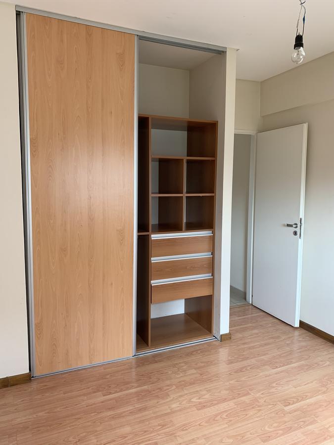 Foto Departamento en Venta en  Remedios De Escalada,  Lanus  Lituania 676