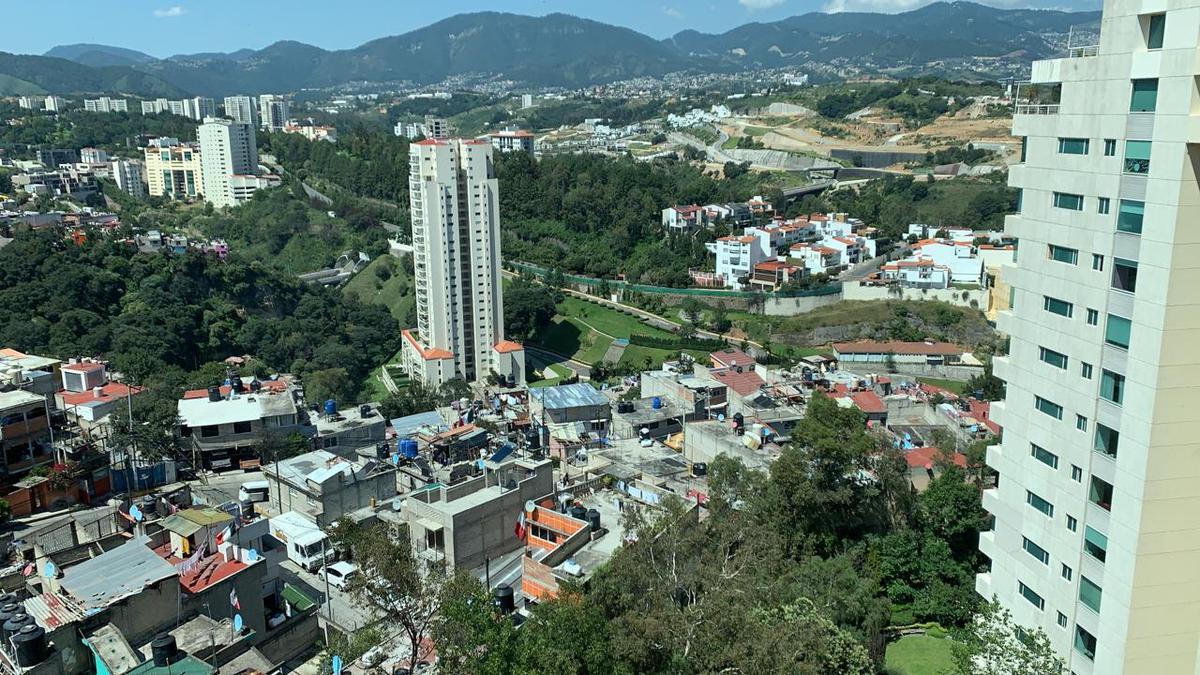 Foto Departamento en Renta en  Huixquilucan ,  Edo. de México  Departamento en lomas country con terraza