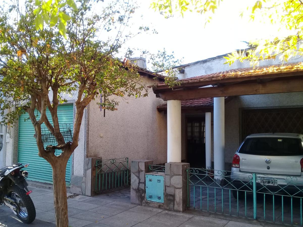 Foto Casa en Venta en  Bella Vista,  San Miguel  Av. San Martín al 2000