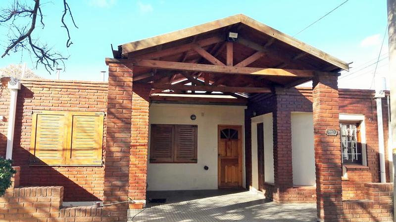 Foto Departamento en Alquiler en  Comercio,  Santa Rosa  Miguel Cané al 1600