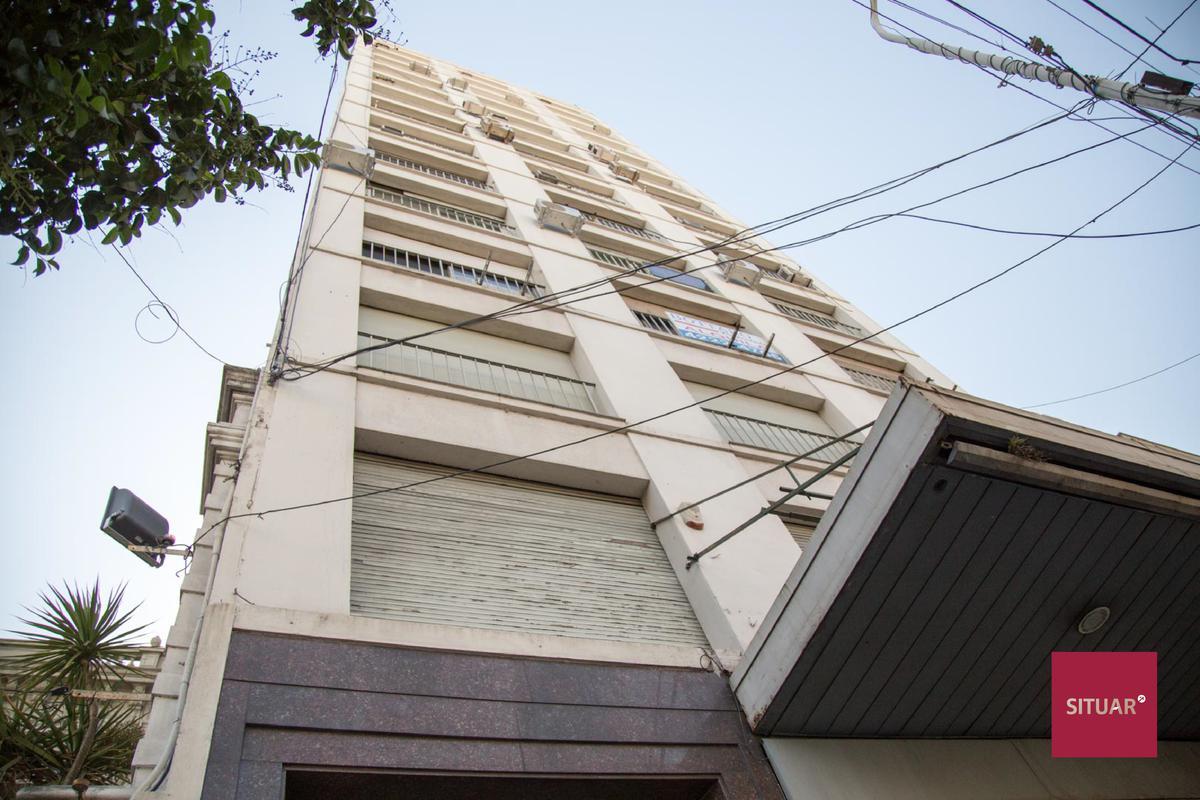 Foto Oficina en Venta en  Avellaneda,  Avellaneda  OFICINA MITRE al 300